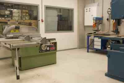 Composite shop Machine room (5)