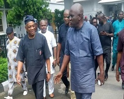 Photo of Orji Uzor-Kalu regains freedom after Supreme Court quashed the judgment that convicted to 12 years imprisonment