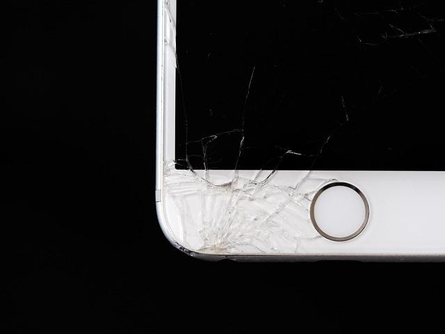 Common Ways People Break Their Phones