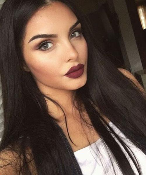 tamno smeđa kosa