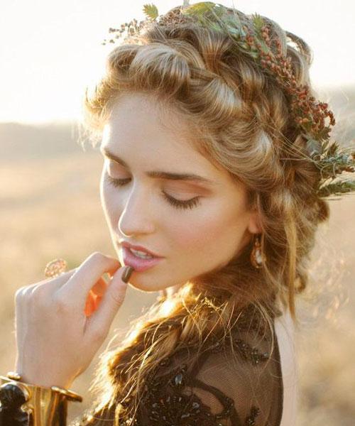 cveće u kosi