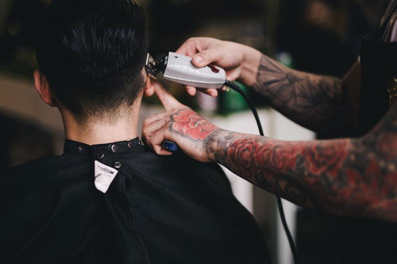uspešan barberšop ili frizerski salon