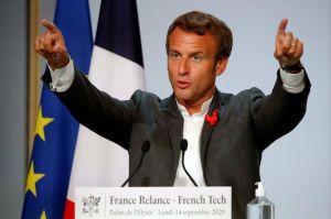 """Macron ferme le débat sur la 5G avec morgue : pas de moratoire ni de retour """"à la lampe à huile"""""""