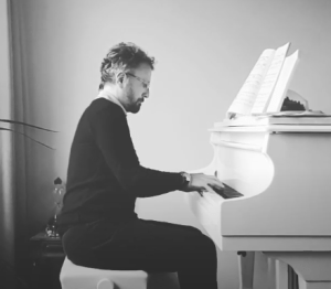 Stéphane Blet joue Le Silence des agneaux, pour réveiller les Français