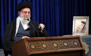 Iran : l'ayatollah Khamenei interdit les vaccins américains, anglais et français