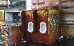 Hidalgoland : le flop des urinoirs écolos du boulevard de la Chapelle