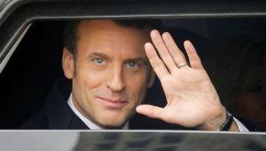 Après un an de répression sanitaire insensée, Macron joue les libérateurs