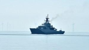 Le Royaume-Uni envoie deux navires de guerre à Jersey pour prévenir un blocus des pêcheurs français