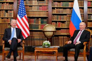 Xavier Moreau – De Gaulle, Fillon, le sommet Poutine-Biden, coup d'État vaccinal à Moscou