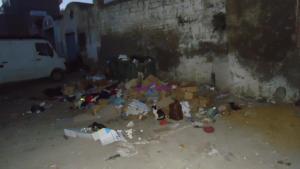 مدينة نابل و تراكم القمامة ينذر بكارثة بيئية ـ مشاهد مقرفة تعترض المارة في العديد من الأماكن ، و روائح تزكم الأنوف تعكس تكدس القمامة والفضلات.  