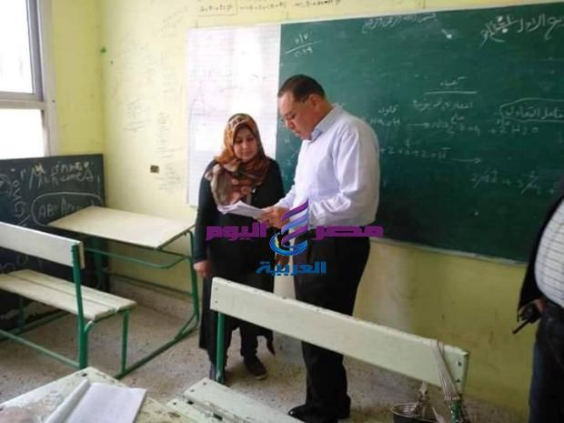 محافظ الشرقية عزل مدير الاداره التعليميه بديرب نجم من منصبه |