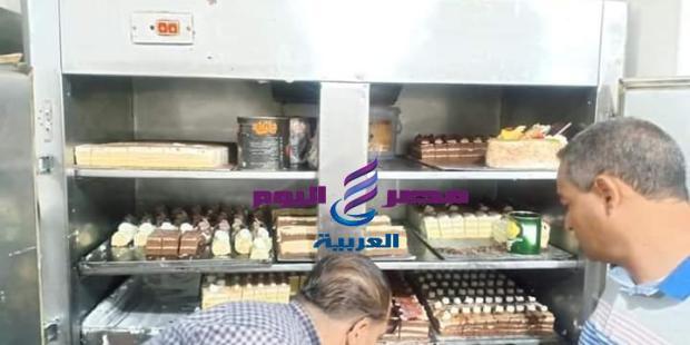 إعدام 15 كيلو حلويات غير صالحة بمصنع لتجهيز الحلويات بأسيوط |