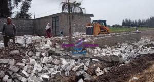 إزالة حالة تعدى بالبناء على الأرض الزراعية بشباس الملح.   إزالة