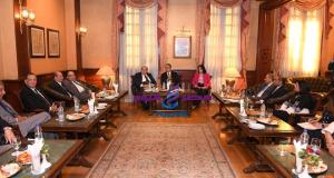 وزير السياحة والأثار يزور نادي السيارات والرحلات المصري