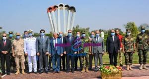 رئيس جامعة الزقازيق يزور مقر وحدات الصاعقة والمظلات والكلية الجوية للتهنئة بانتصار أكتوبر | جامعة الزقازيق