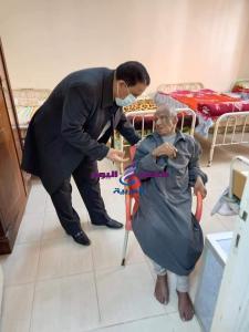 التدخل السريع بتضامن الغربية تنقذ مسن وتوقع الكشف الطبي عليه وايداعه بدار المسنين والعجزه بطنطا | التدخل