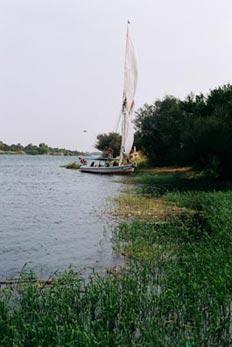 帆船隨時可停泊,上岸遊玩。