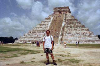 """Chichen Itza -- 墨西哥 """"地標"""" 瑪雅金字塔"""
