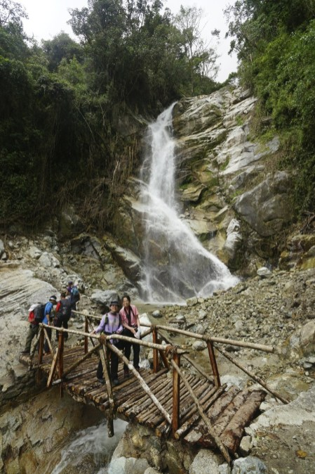 過了瀑布,快到達 Wiñay Wayna。