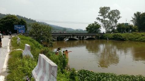 綏江江邊小石橋