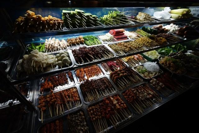 除肉類及蔬菜外,也有雞和豬的內臟。