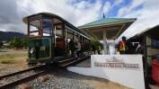 Franschhoek 的 wine tram。