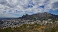 看 Table Mountain 最好的位置,是走上旁邊的 Signal Hills。