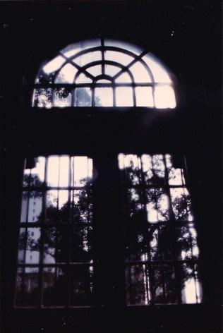 主樓梯採光的窗。