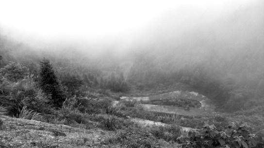 桂坑尾蛇形上山路。