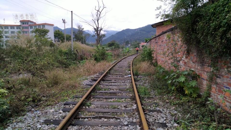 重遊舊京廣線樂昌段,今次可盡興馳騁鐵道上。