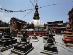 這座不是著名的 Baudhanath Stupa,而是「隱藏」在 Thamel 區的佛塔,除尺寸外,外表和 Baudhanath Stupa 有幾分相似。