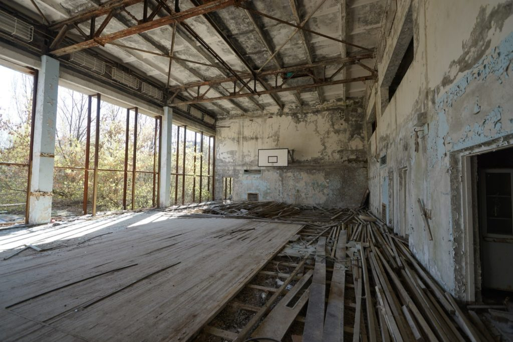 災後 30 年 -- 切爾諾貝爾之行(7):深入荒廢城市普里皮亞季