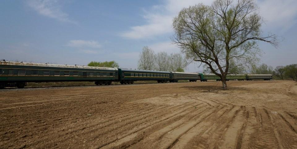 中俄朝遊(14)邊境荒廢火車