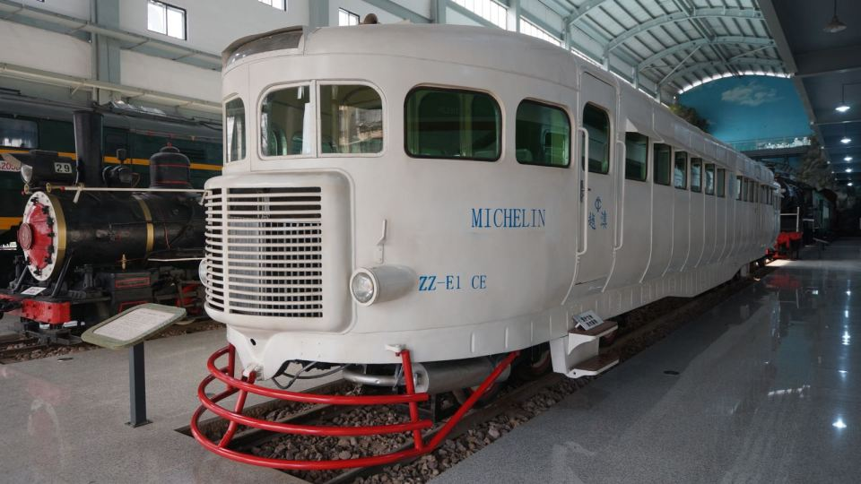 另一鎮館之寶「米芝蓮號客車」。