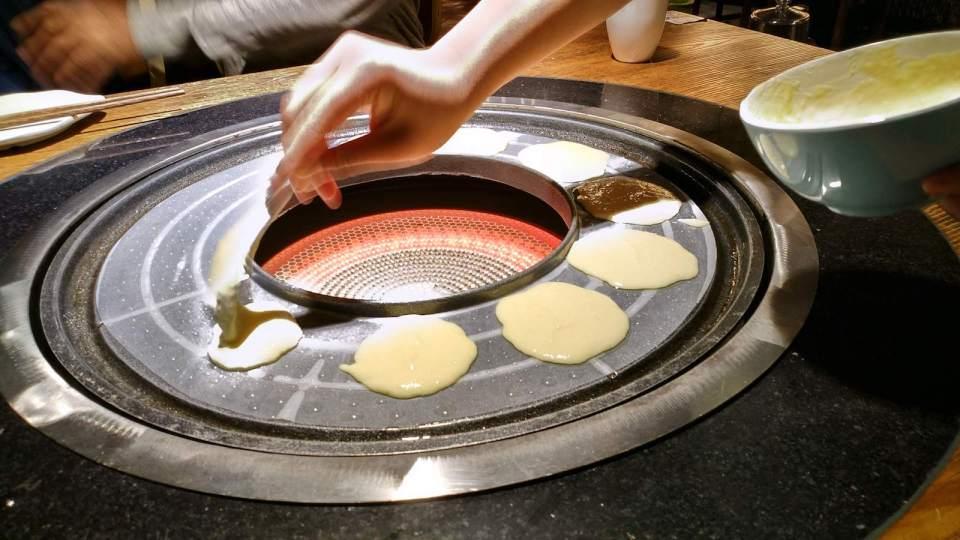 火鍋爐邊用來燒玉米餅和青稞餅