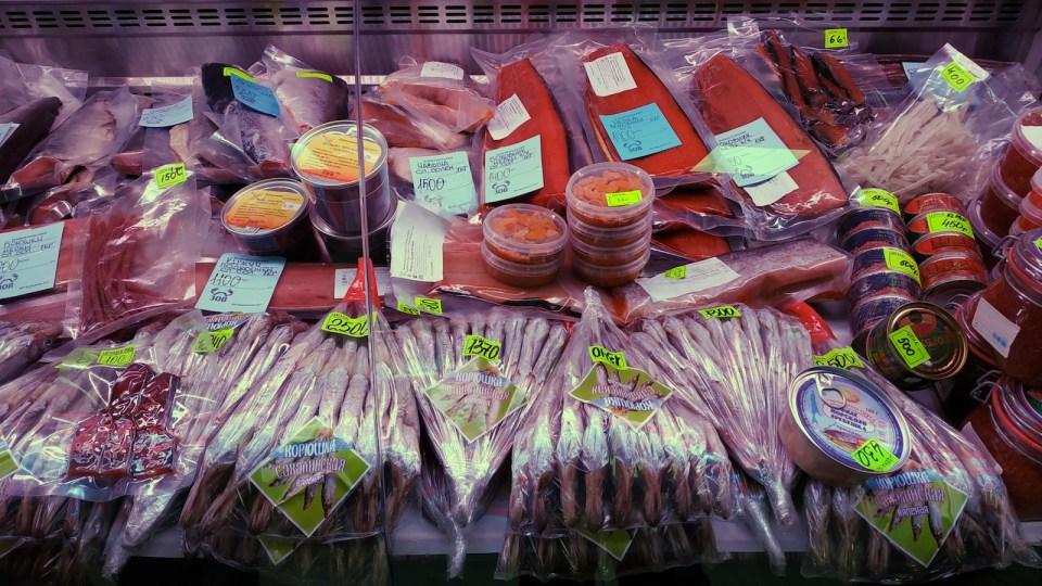 各種處理好的海產。