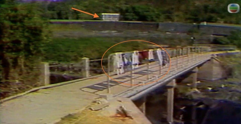 石屎橋對岸是羅湖火車站,箭咀是火車站站房。
