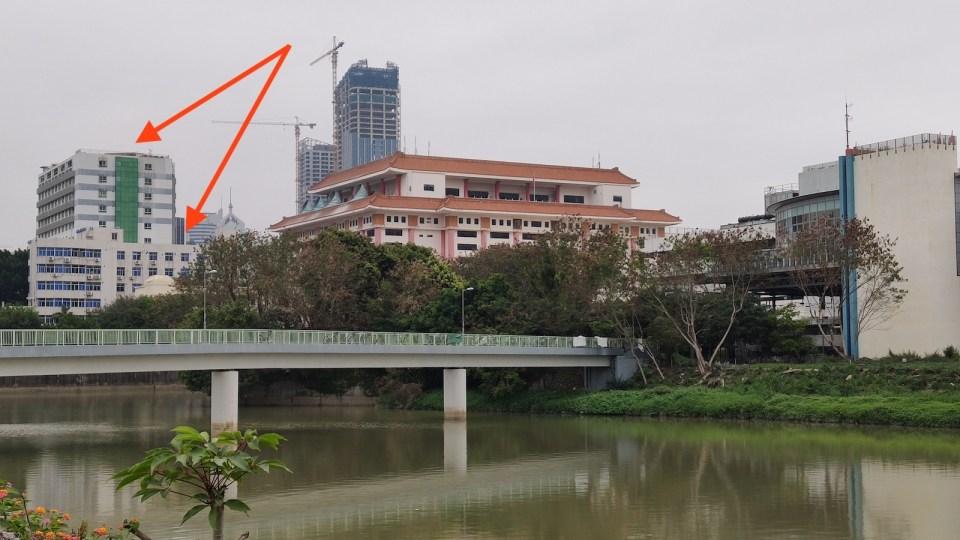 40 年過去,兩幢建築依舊存在,沒有消失在深圳高速發展裏。