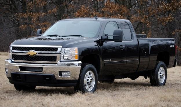 2013 GMC Sierra and Chevrolet Silverado Bi-Fuel Pickups unveiled