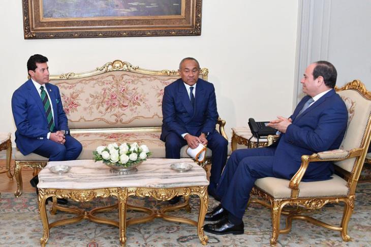 تفاصيل لقاء الرئيس السيسي برئيس الكاف في حضور وزير الرياضة