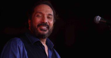 المخرج أحمد عبد العزيز يختار على الحجار لبطولة مسرحيته الجديدة