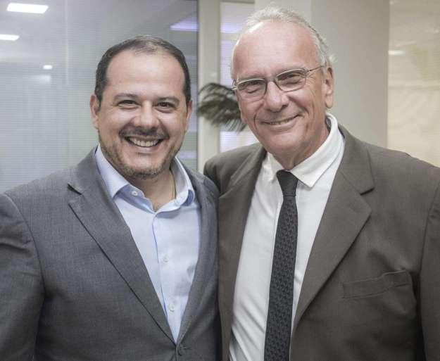 08-Marcelo-Vieira-Martins-Diretor-Executivo-e-Dr.-Edwin-Schossland-Presidente-da-Unicred-Uniao-1024x841 Title category