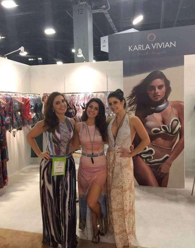 1-A-estilista-Karla-Vivian-e-as-administradoras-Anna-Júlia-e-Anna-Flávia-Cunha-806x1024 Title category