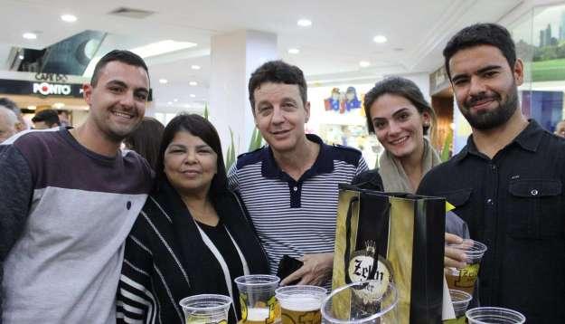 26-Lucas-Martins-Regina-Mendes-Simone-Macedo-Ana-Beatriz-Calisto-e-Tiago-Bail-kaliski-1024x586 Title category