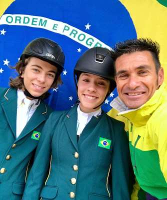 Fabio-RodarteEduardo-Coelho-e-Barbara-Camila-Siqueira-Doda-Miranda-Alvaro-de-Miranda-Neto-3-334x400 Title category