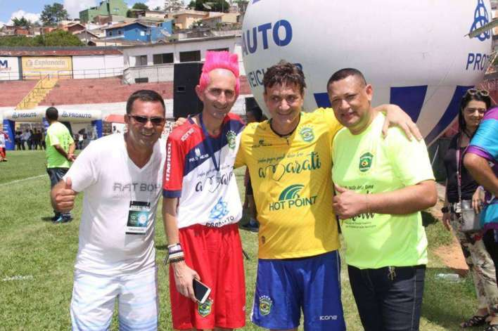 Hulk-Magrelo-Roberto-Restum-e-Gil-Santos-Im.001-721x480 Title category