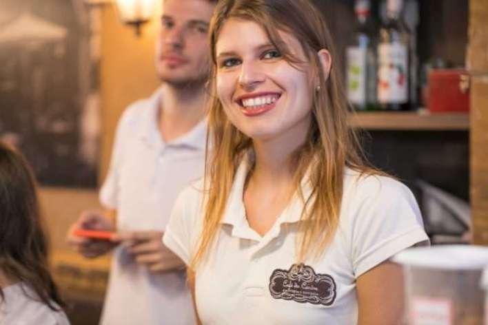 Bruna-Vieira-proprietária-rede-Café-du-Centre-Im.001-e1528077302287 Title category