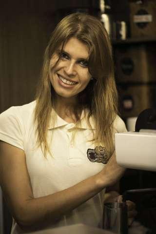 Bruna-Vieira-320x480 Title category