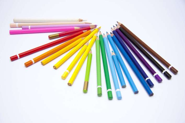 crayons-1018580_1920-720x480 Title category