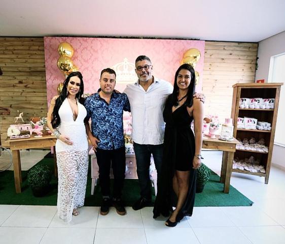 Fabi-Frota-e-Alexandre-Frota-com-Mônica-Santos-e-Rodrigo-Im.002 Title category